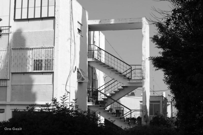 מדרגות חיצוניות - נווה שאנן - שביל חיפה - טרק - טיול בחיפה