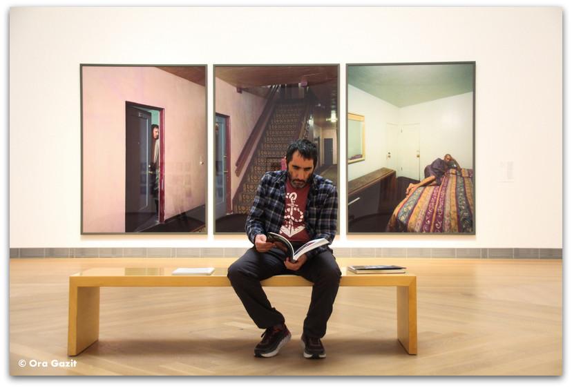 איש קורא ספר - אמנות מודרנית - שטוקהולם