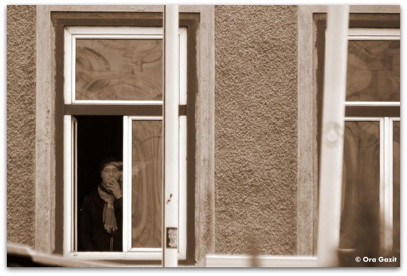 גבר מעשן בחלון - סיפור אהבה - ספרים מומלצים
