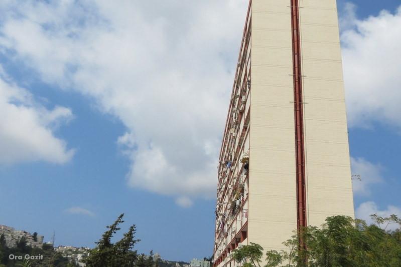 בניה מאסיבית - מכונת המגורים - שביל חיפה - טרק - טיול בחיפה