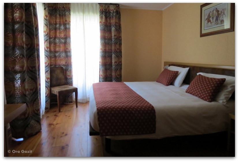 חדר במלון - טרק - סובב מון בלאן - יומן מסע