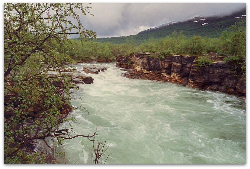 נהר שוצף - טרק - שבדיה