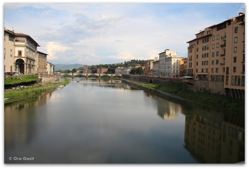 נהר הארנו - פירנצה, איטליה