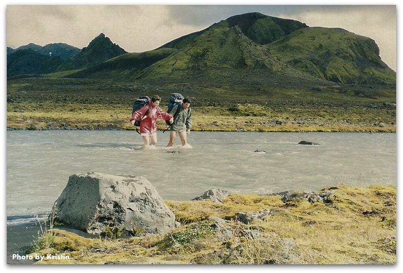 חציית נהר - טרק - לנדמנלאוגר - איסלנד
