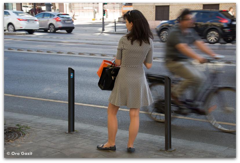 אשה עם שמלה - בודפשט - הונגריה