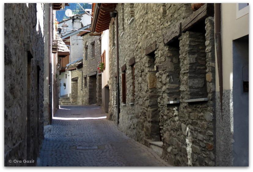 עיירה, איטליה - טרק - סובב מון בלאן - יומן מסע