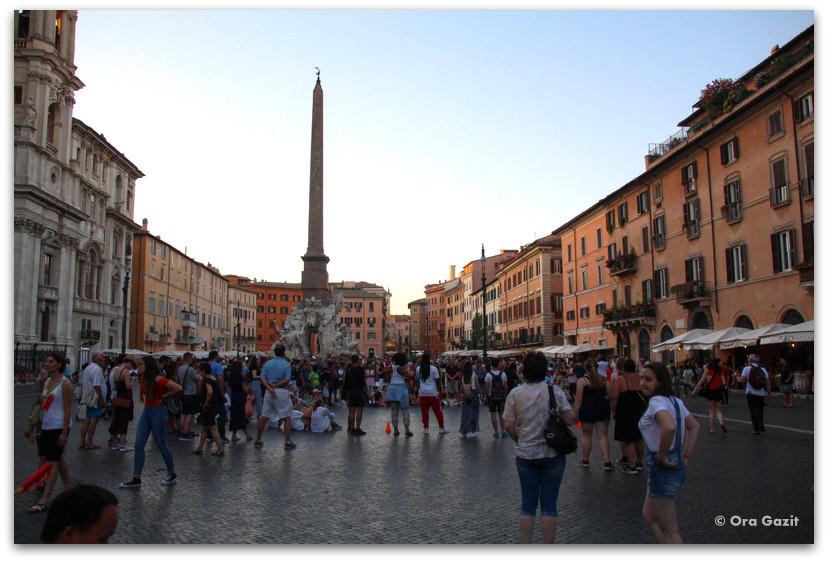 פיאצה נבונה - רומא עם ילדים, איטליה