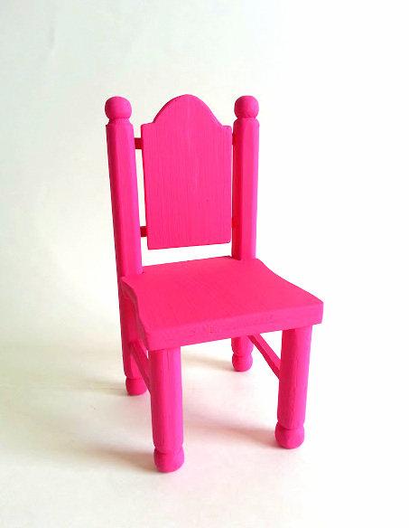 Moyenne chaise rose