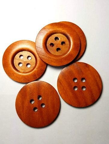 Lot de 5 gros boutons de bois # B1108