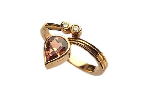 Tourmalin Diamond Ring