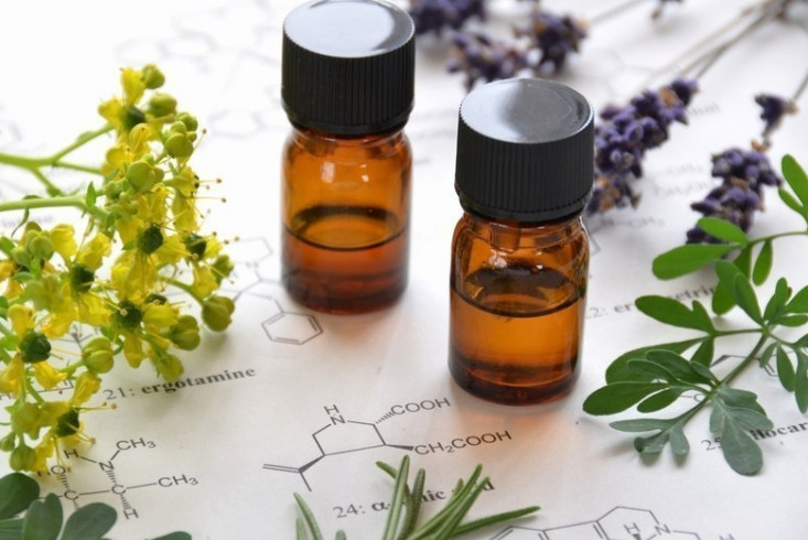 what are essential oils_edited.jpg