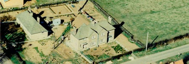 Aerial view of west end of Moreton Rd, 1964
