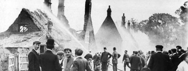 1905 Fire in High Street, from Blacksmiths Lane.