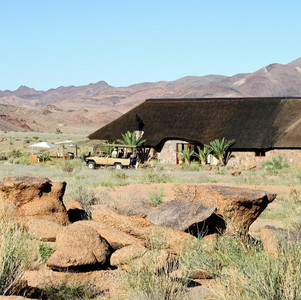 How to get to Sandfontein and what you can see when you are there