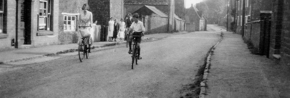 A Quiet Bike Ride in High Street