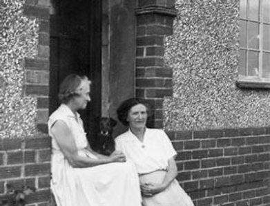 Gladys and Dorothy Bishop at Hanwell Fields