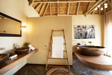 A bath with a view of the Sandfontein valley