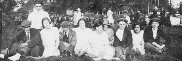 Picnic opposite the Royal Oak 1930s