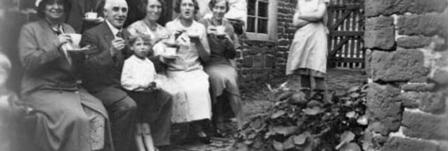 Tea with the Walkers, 1931 or 32