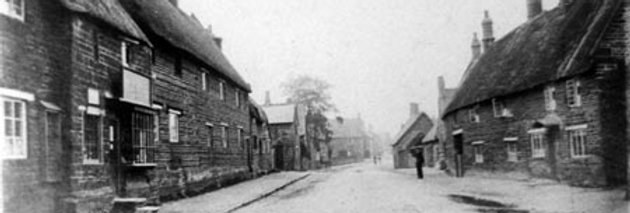 High Street looking North, before the Great Fire, c1900s