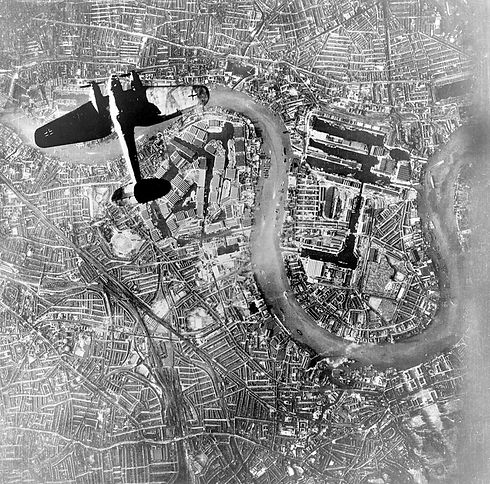 1024px-Heinkel_over_Wapping.jpg