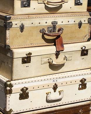 suitcases-595327_1280.jpg