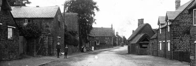 Middle of High Street, looking North, c1910