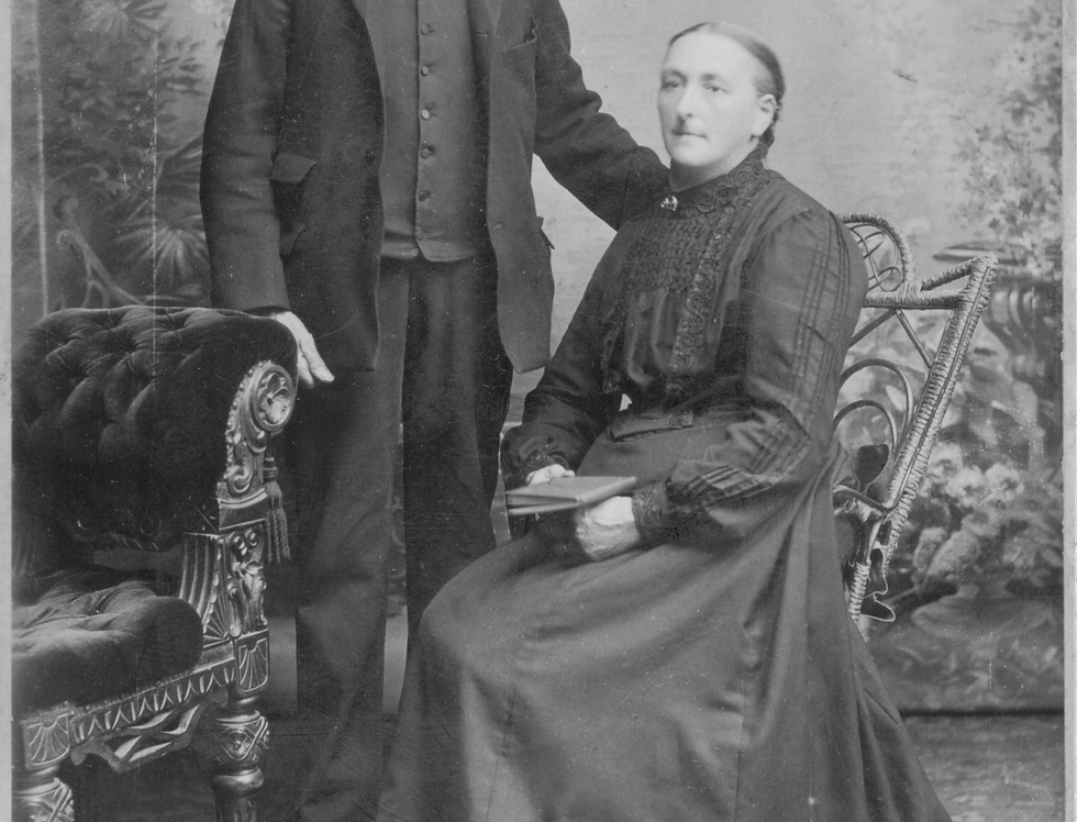 Thomas Rogers and his wife Fanny Maria, 1906