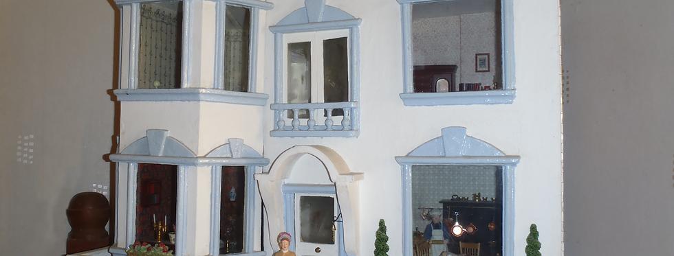 Dolls House, Edwards family heirloom
