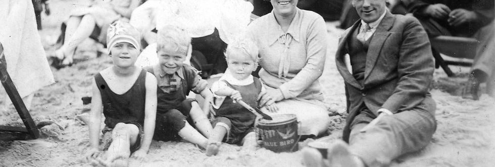 Edwards Family Holiday, Bournemouth, 1928