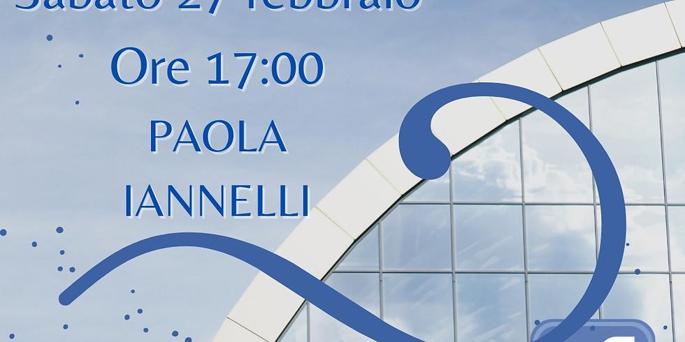 """Paola Iannelli presenta """"Il paradiso non ha un angolo retto"""" sulla pagina facebook di Homo Scrivens"""