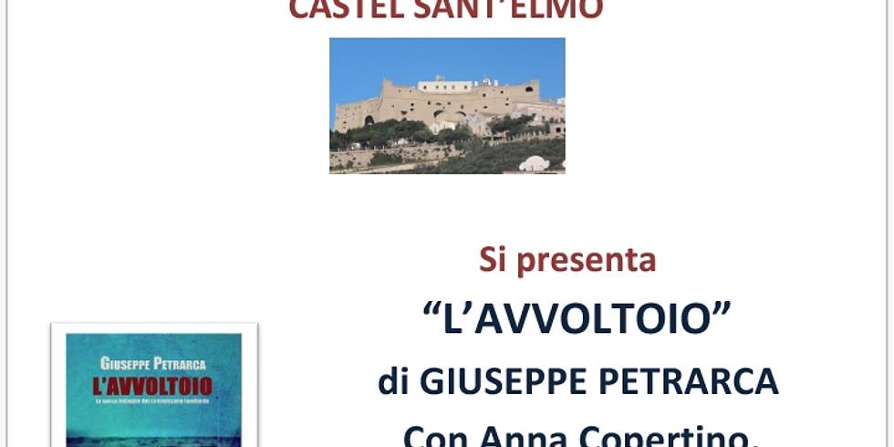 """Giuseppe Petrarca presenta """"L'avvoltoio"""" durante il Salone del Libro e dell'Editoria """"Napoli Città Libro"""""""