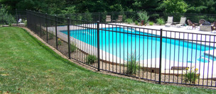 Aluminum-Pool-Fence.jpg