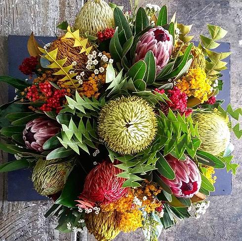 fresh-flowers-native-flowers-arrangement