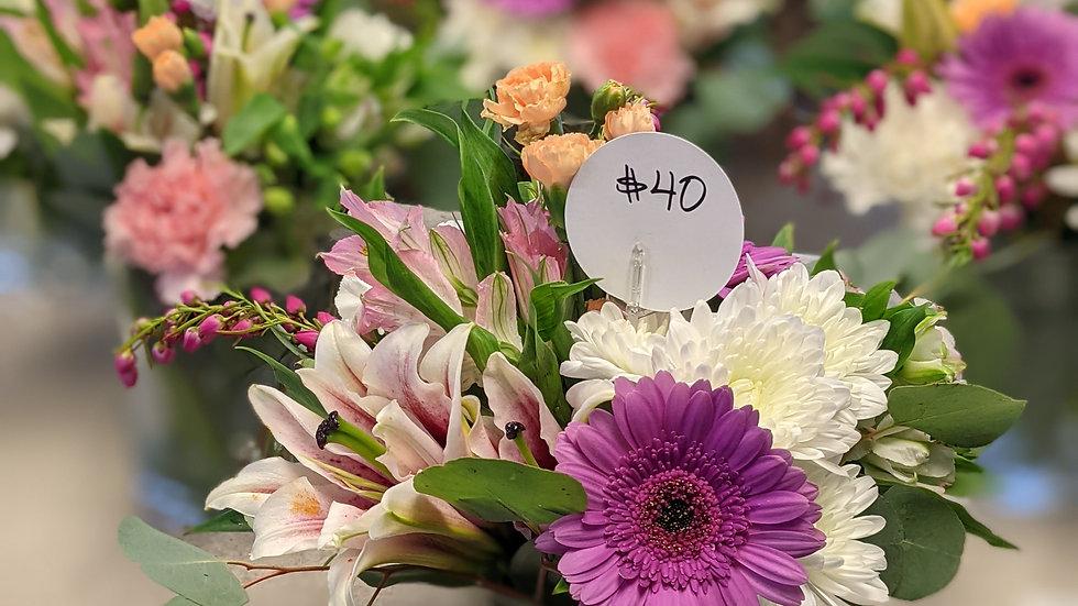 Mixed arrangement in a cylinder vase