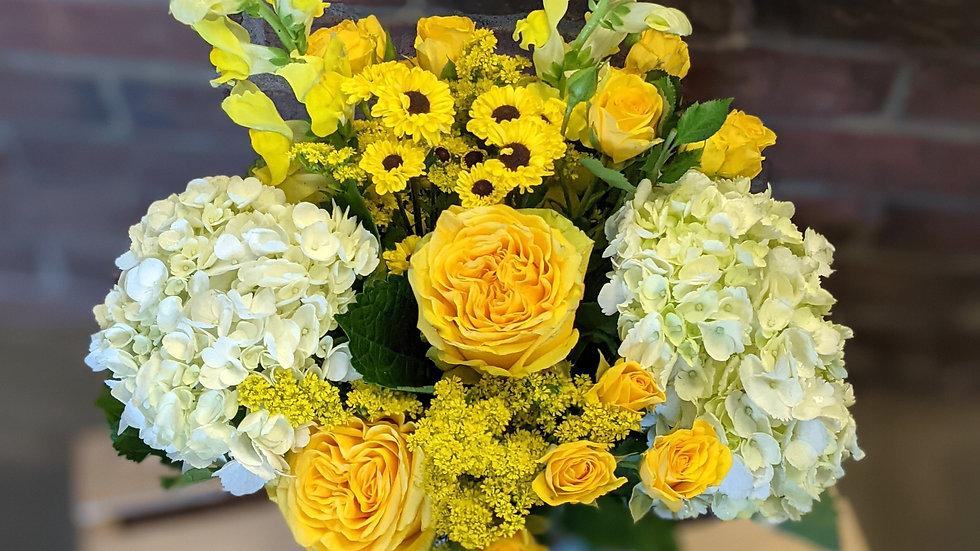 Petite sunny day bouquet