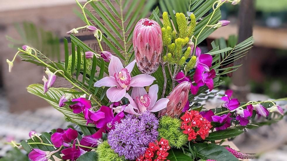 Stylized tropical arrangement
