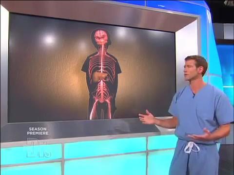 Le Docteur Travis Stork explique comment  la maladie di Niemann-Pick atteinte le corp.