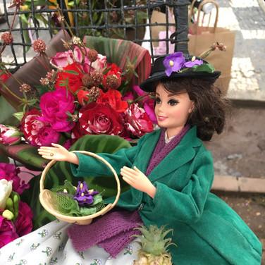 Missdoolittle na flowerbike na rua