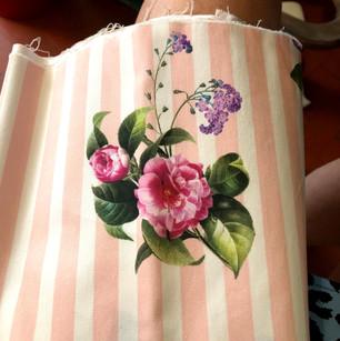 Tecido ingles estampa floral rosa