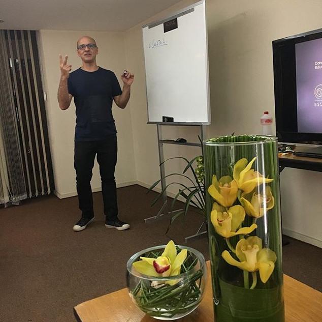 Curso de assinatura floral com Orlandio Santos