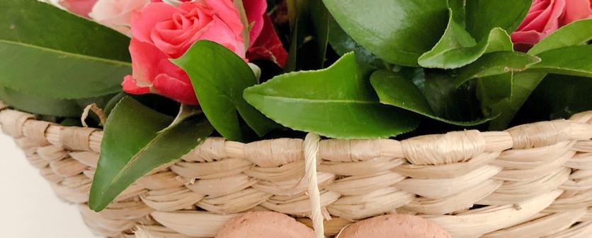 Cuja de tabua com flores