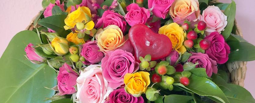 Cuia de fibra natural tabua com flores