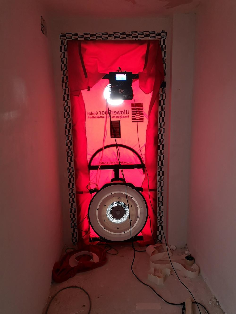 Equipo Blower Door instalado