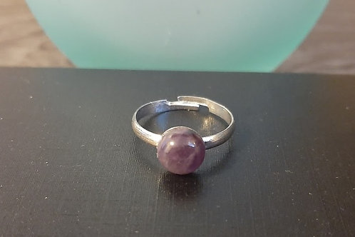 Beautfilly crafted Amethyst ring