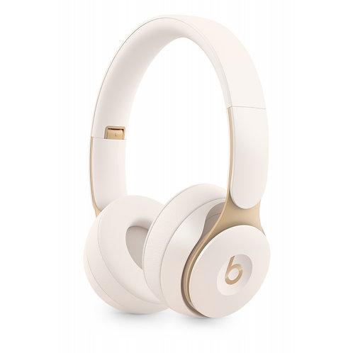 Beats Solo Pro Wireless Noise Cancelling Kopfhörer – Elfenbeinweiß