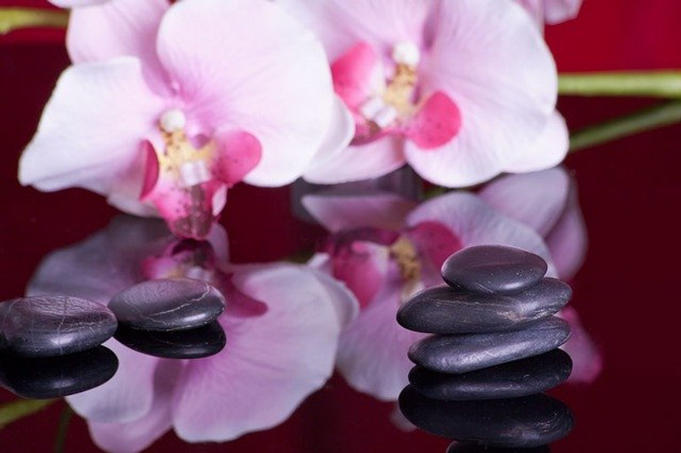 massage-599476_640.jpg