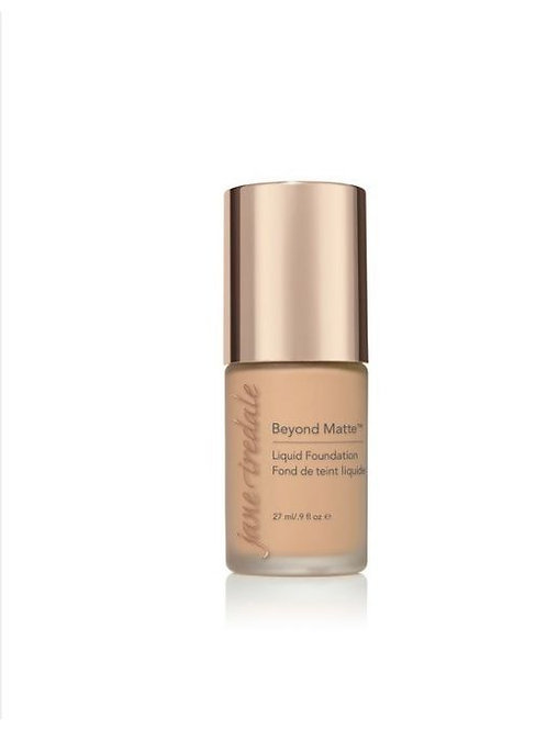 M8 Beyond Matte Liquid Foundation