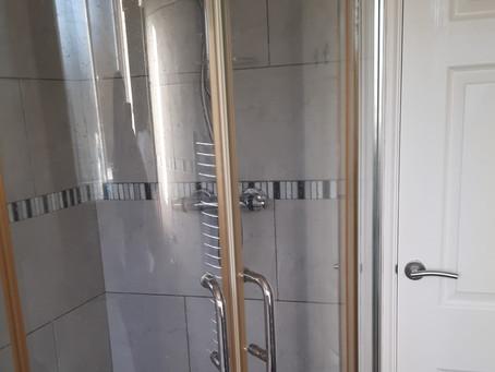 Property Service Bathroom Deep Clean