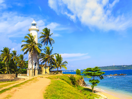 UK travelers can now book their holiday in Sri Lanka once again !